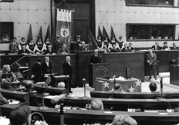 Cerimonia-di-conferimento-del-Premio-Citta-d-Europa-Parlamento-Europeo-Strasburgo-1968_reference