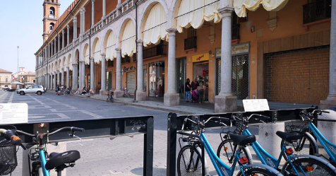 Bici pubbliche in Piazza delPopolo